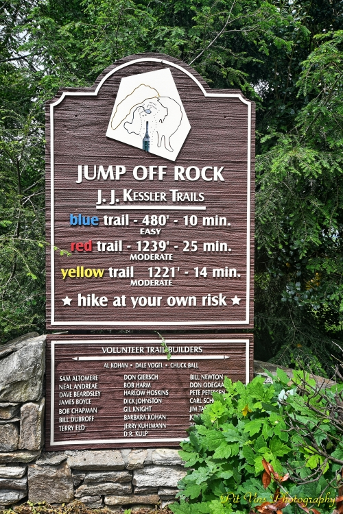 Jump-Off Rock Hiking