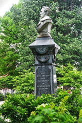 hecker monument