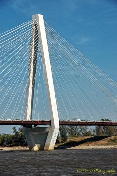 Stan Musial Veterans Memorial Bridge, St. Louis